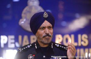 Pengarah Jabatan Siasatan Jenayah Komersil Bukit Aman Datuk Seri Amar Singh Ishar Singh berkata penggeledahan serentak di enam premis dilakukan oleh polis secara adil dan profesional.