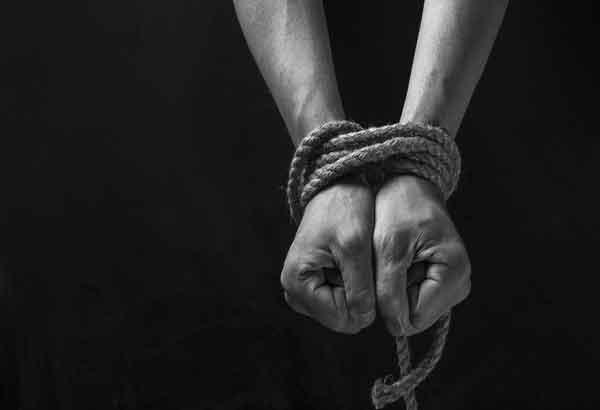Polis mengesahkankeluargadua rakyat Indonesia yang diculikdi perairan Pulau Bodgaya, Sempornapada 11 Sept lalumenerima panggilan telefondaripada kumpulan penculik untuk wang tebusan (KFR) meminta wangsebanyak RM4 juta.
