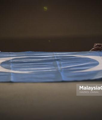 PKR telah meminta calon pilihan raya untuk menandatangani perjanjian yang antaranya mengkehendaki mereka membayar ganti rugi RM10 juta kepada parti jika berundur sebelum penamaan calon atau melompat parti selepas menang.