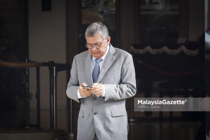 Bekas Peguam Negara, Tan Sri Abdul Gani Patail meninggalkan Yayasan Kepimpinan Perdana selepas mengadakan pertemuan dengan Perdana Menteri, Tun Dr. Mahathir Mohamad di Putrajaya. foto HAZROL ZAINAL, 15 MEI 2018.
