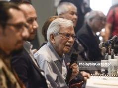 Pengerusi Majlis Penasihat Kerajaan (CEP), Tun Daim Zainuddin bercakap pada sidang media Majlis Penasihat Kerajaan (CEP) bertempat di Menara Ilham, Jalan Binjai, Kuala Lumpur. foto AFIQ RAZALI, 20 OGOS 2018.