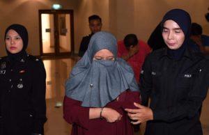 Tertuduh, Uji Che Mat, 43, dan suaminya Mohd Zamzuri Abdul Manap, 42, masing-masing mengaku tidak bersalah sebaik pertuduhan dibacakan kepada mereka di hadapan Hakim Dazuki Ali.