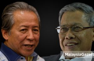 Ahli Parlimen Jeli, Datuk Seri Mustapa Mohamed dan Ahli Parlimen Kimanis, Datuk Seri Anifah Aman mengumumkan keluar UMNO.