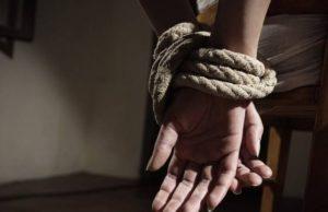 Pasangan suami isteri bimbang dengan nasib anak perempuan bongsu mereka berusia 16 tahun yang dipercayai dilarikan individu tidak dikenali pada 12 Dis lalu, dan didakwa disembunyikan seseorang di Selatan Thailand.