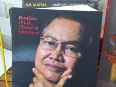 Penulis sempat membaca buku ini ketika dalam penerbangan balik ke Malaysia